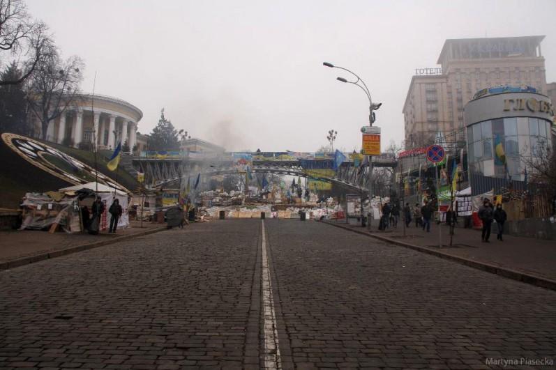 Barykada przy Hotelu Ukraina. Fot. Martyna Piasecka
