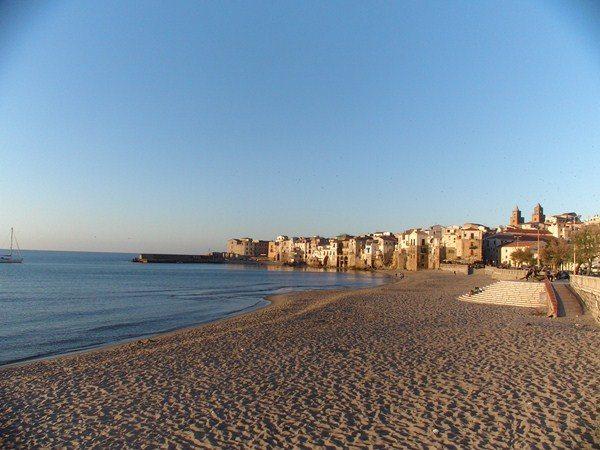 Jak tanio podróżować po Sycylii?