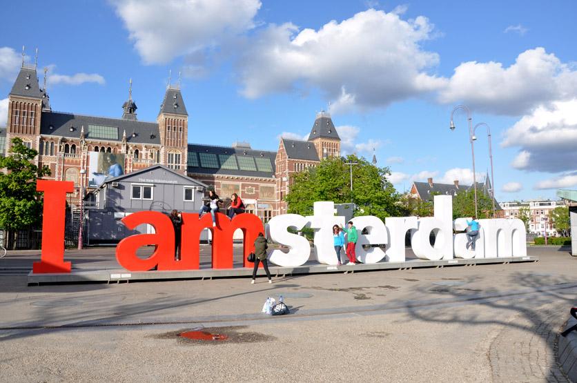 10 atrakcji Amsterdamu z przymrużeniem oka