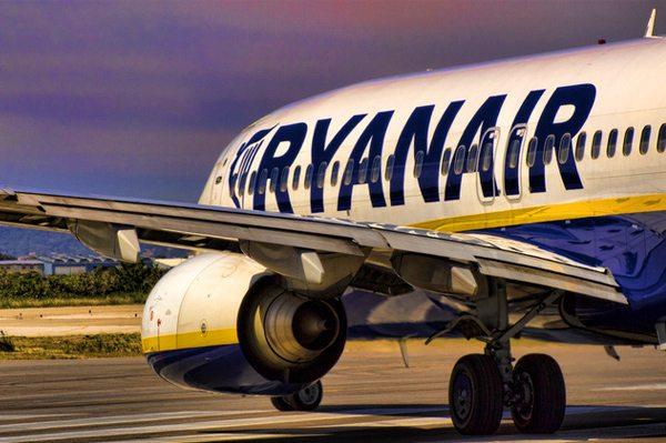 Jak zapłacić za loty w Ryanair?