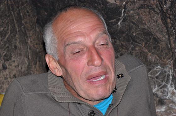 """""""11 lat mieszkam w jaskini"""" – wywiad z Freddym Cavemanem"""