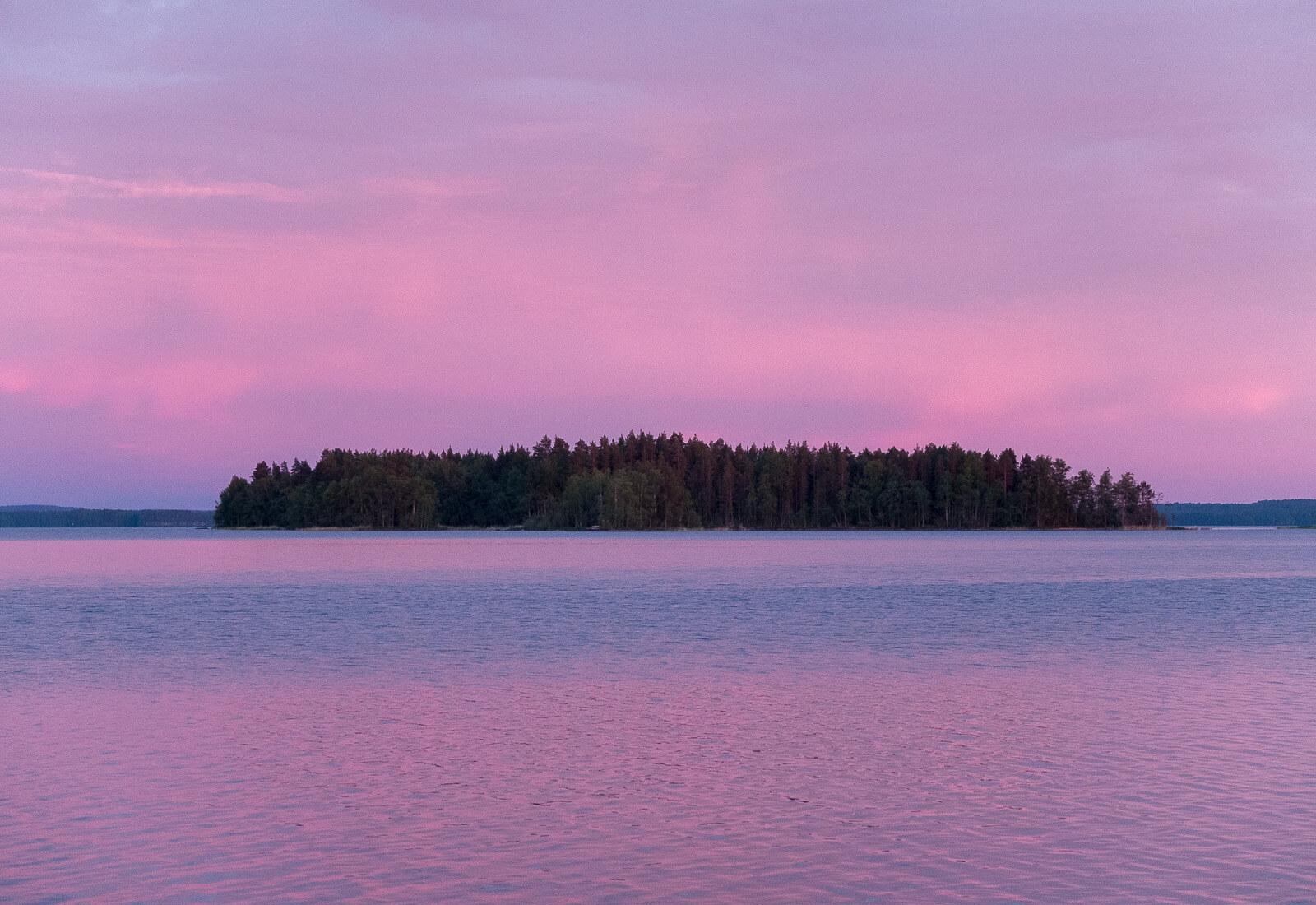Pojezierze fińskie kajakiem. Tak wygląda największa kraina jezior na świecie